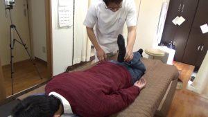 伏臥位での膝曲げ検査は大腿四頭筋の緊張テスト検査