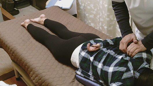 高槻市検査から骨盤はがしまで腰痛整体肩甲骨はがし