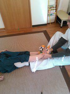 寝屋川市10年来の腰痛肩こり足の牽引
